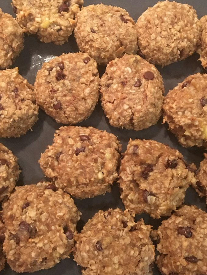 Vegan Oatmeal Peanut Butter Chocolate Chip Bites by The Urben Life Blog