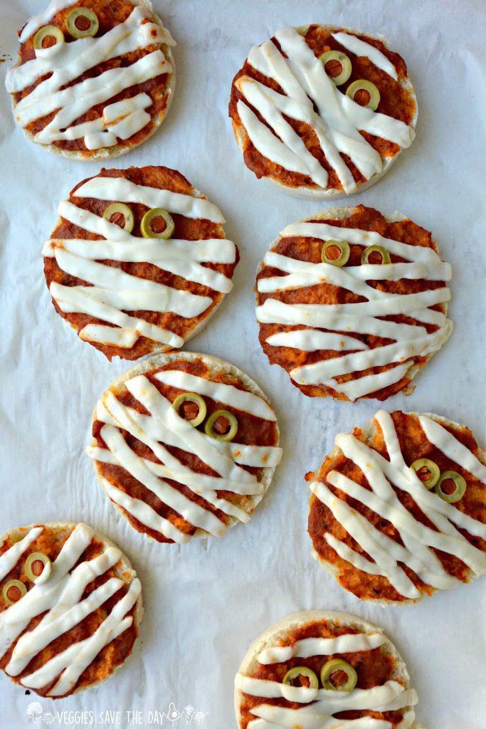 Halloween-Mummy-Mini-Pizzas-Vegan-and-Gluten-free-Veggies-Save-The-Day
