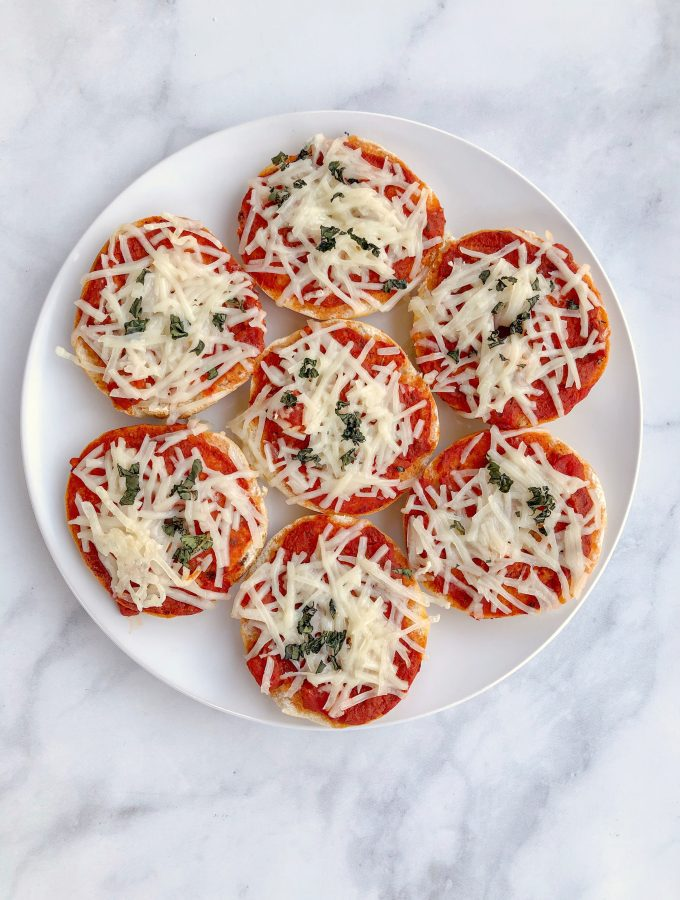Homemade Vegan Bagel Bites are mini bagels topped with your favorite pizza ingredients then baked for 10 minutes. Quick and easy meatless meal!